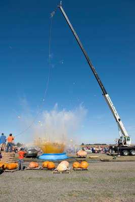 Pumpkin Weigh Drop at Bauman Harvest Festival - Oregon